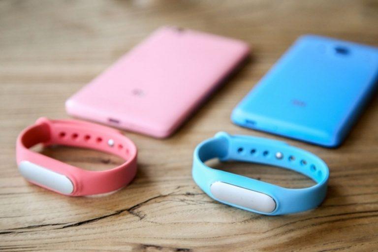 Xiaomi's CEO teasing with Xiaomi Mi Band 2